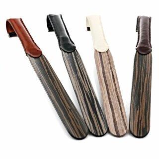 Exclusiver Holz Design Schuhanzieher mit lederbezogenen Haken Beige